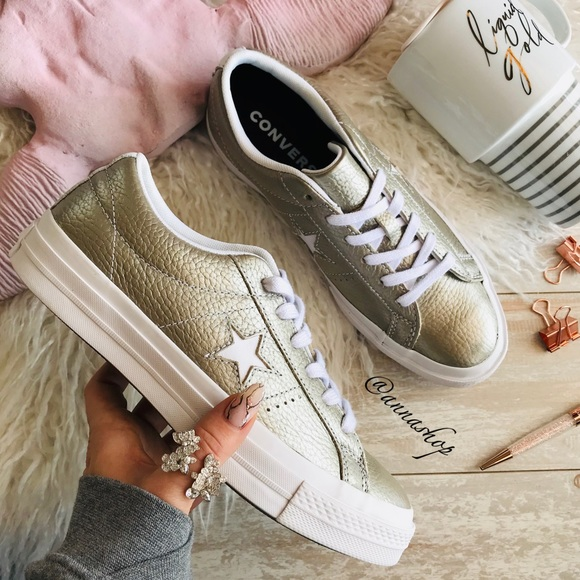 NWT Converse ID Custom Leather low Tops NWT